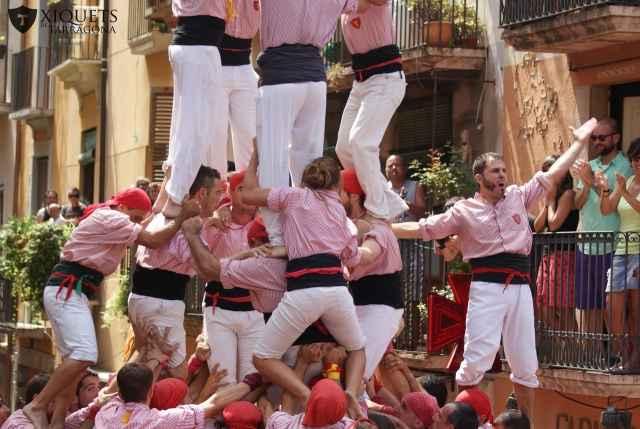 Actuació dels Xiquets de Tarragona per Sant Magí del 2014. Quatre de nou amb folre.